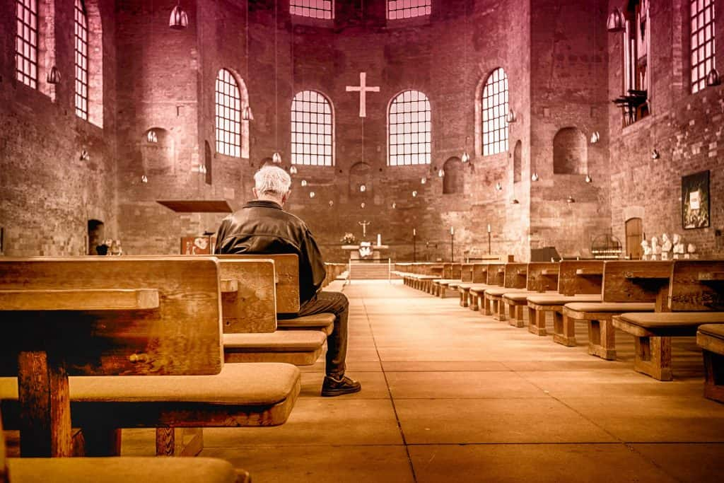 bible church-2464883_1920