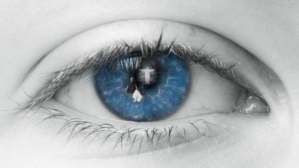 bible eye-2644086_1920