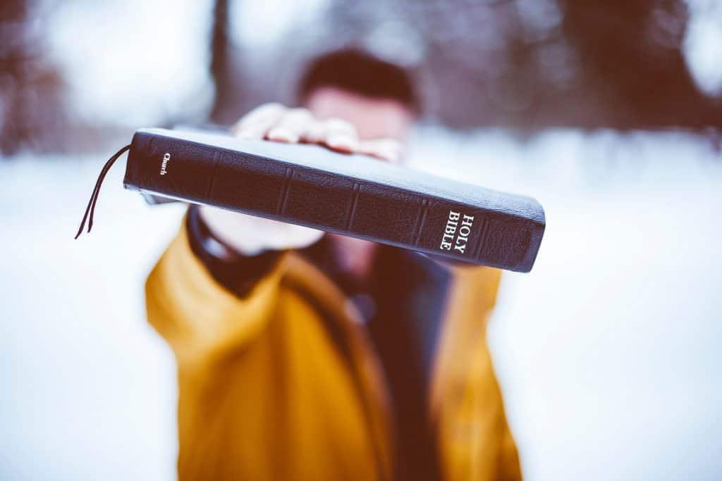 bible - people-2594785_1920