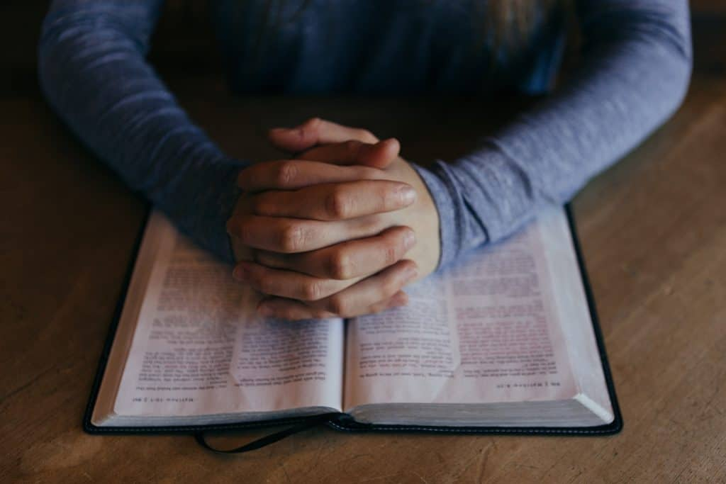 bible - study-862994_1920
